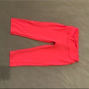neon pink workout leggings 😋